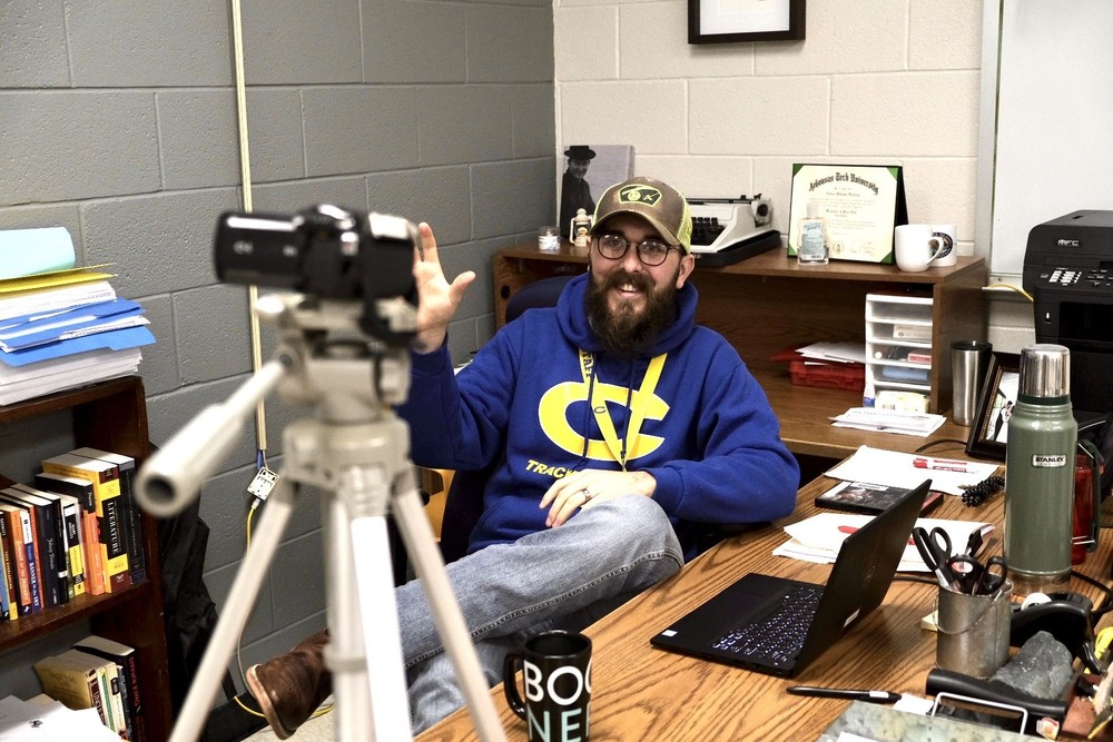 Central Teacher Connects Students By YouTube