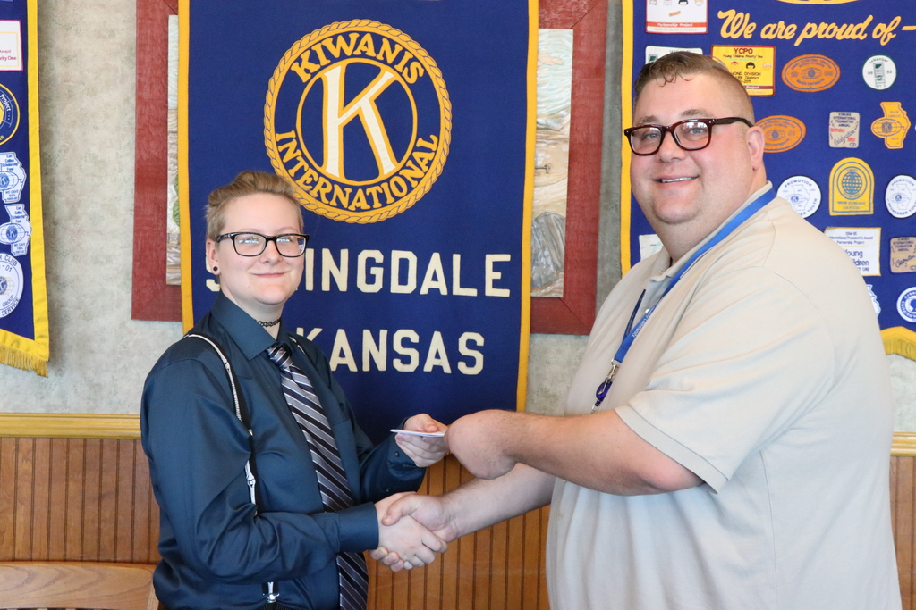 Ashley Baucom accepts Kiwanis Scholarship