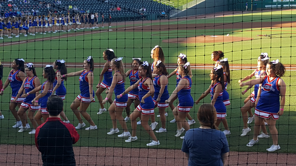GJHS Cheer and Dance at the Back to School Rally!