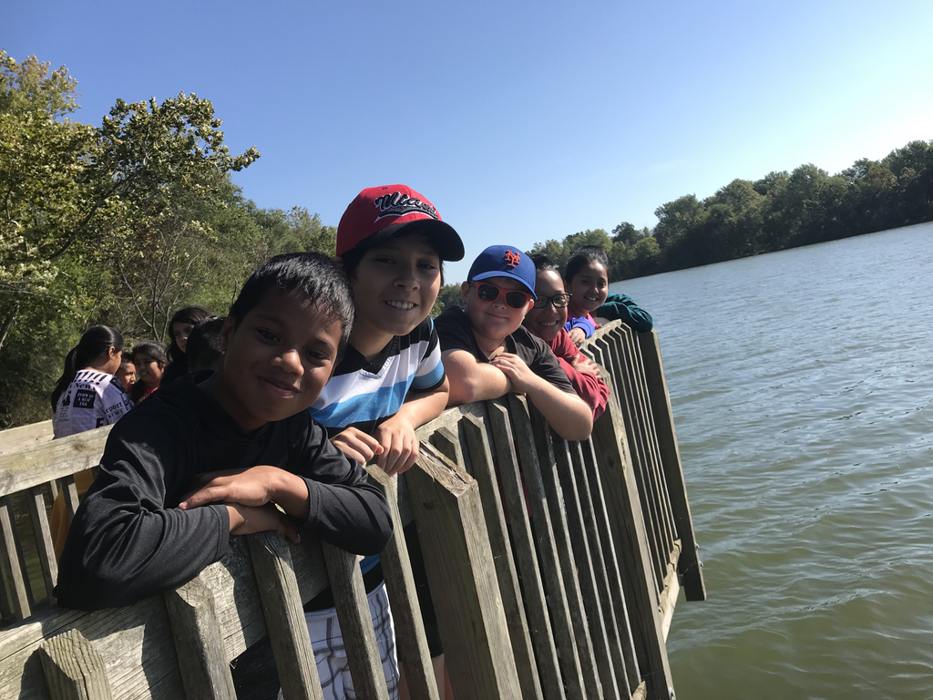 5th graders enjoyed a field trip to Lake Fayetteville.