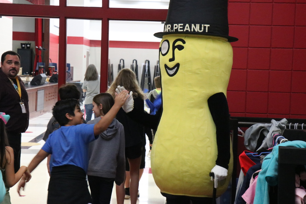 Mr. Peanut at Hunt
