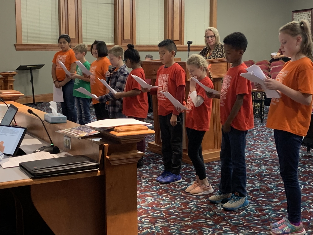 Students present to School Board