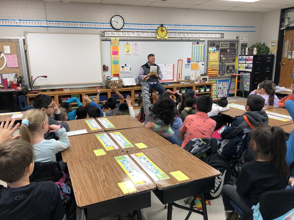Reading to first grade students