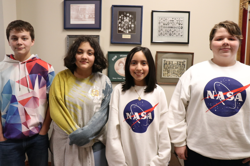 Students going to Space Camp