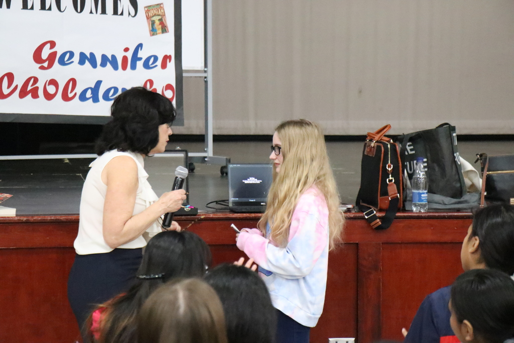 Gennifer Choldenko at Sonora Middle