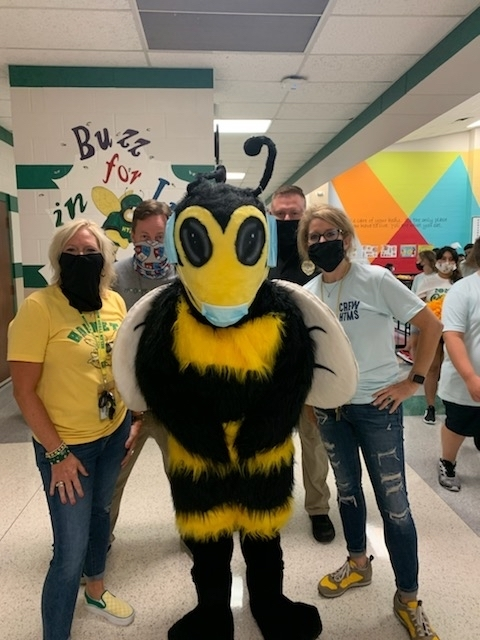 Welcome to Hornet 🐝 Country. @HelenTysonMS